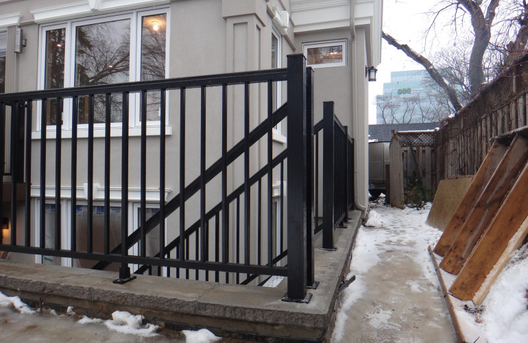 Residential feet aluminum staircase with railing
