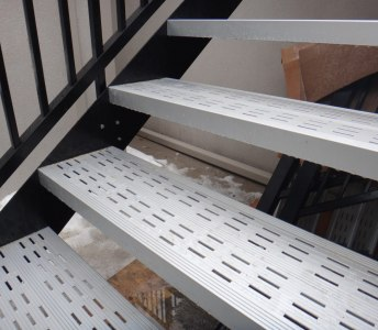 Residential 10-feet Aluminum Staircase with Railing