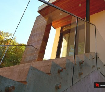 Glass Panels Installation on Concrete Stairs