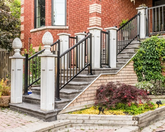 Residential 10 feet aluminum staircase with railing for 10 foot porch columns