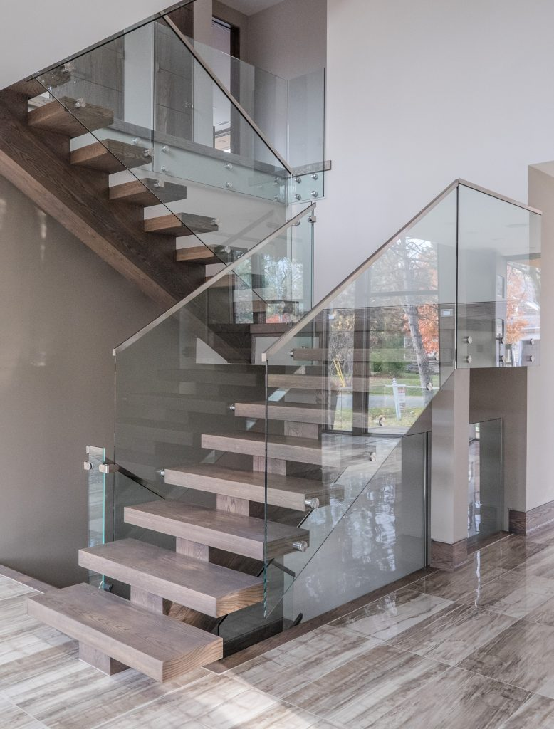 oakville-detached-home-with-glass-railings-07