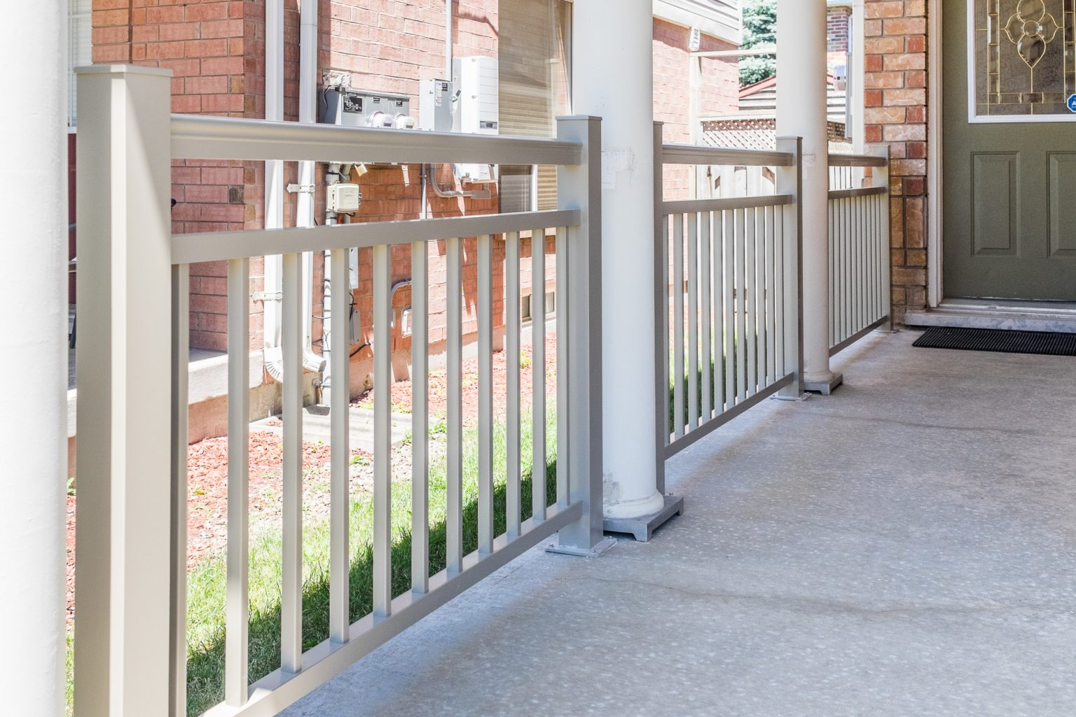 biege aluminum railings