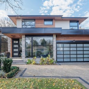 oakville-detached-home-with-glass-railings-08