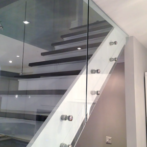 residential-stair-glass-railings